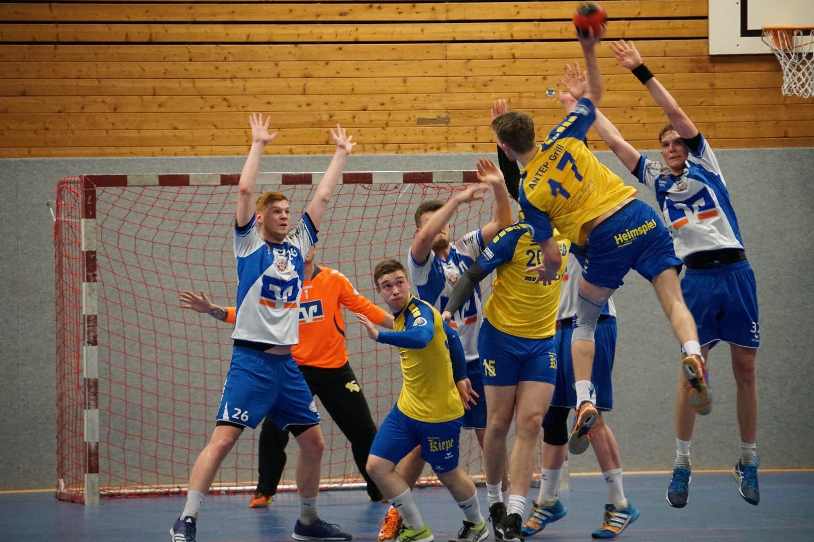 Handball Spiel HSG Gremmendorf Angelmodde gegen Telgte Freiwurf